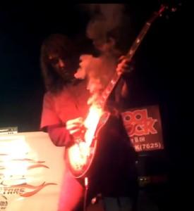 A füstölő Gibson