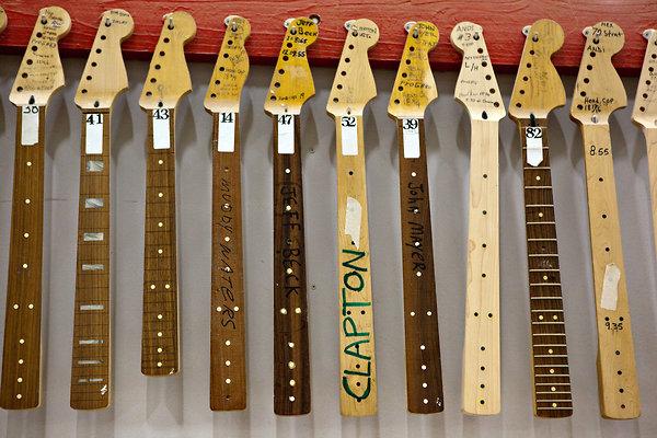 A gitárgyár a fennmaradásért küzd