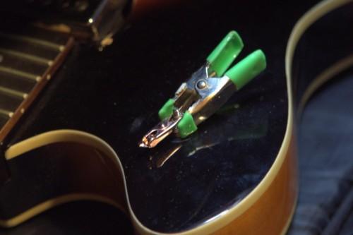Ideiglenes rögzítés két csipesszel