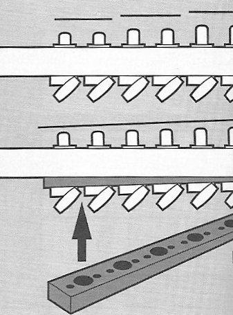 Csökkenő tengelyű kulcsok házilag, ék formájú távtartóval