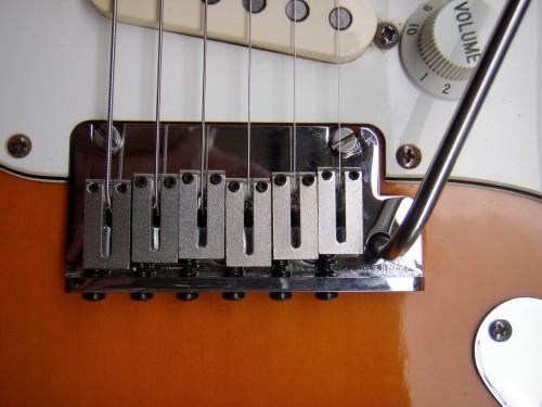 2 pontos rögzítésú tremoló az American Standard Stratocasteren
