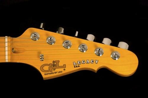 """A Fender cég fenyegetése miatt később már csak a """"by Leo"""" felirat maradt"""