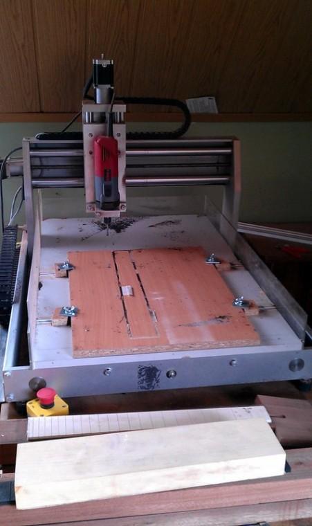 Az egyedi építésű CNC-masina