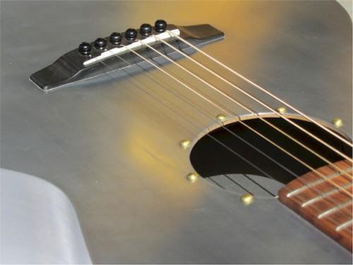 Alumínium akusztikus gitár
