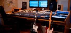Híres gitárszólók – kíséret nélkül